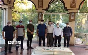 ادای احترام به شهدای گمنام هشت سال دفاع مقدس در منطقه17