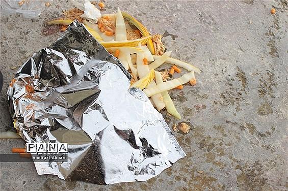 ساحل فرحآباد ساری و زبالههایی  رها شده