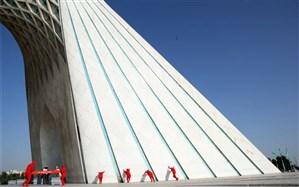برجهای آزادی و میلاد یک سانتیمتر به تئاترشهر نزدیک شدند