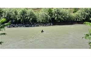 غرق شدن مامور آتش نشانی حین عملیات آزادسازی رودخانه زاینده رود