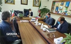 نشست گراوند با روسای کمیته امداد مناطق یازده و شش