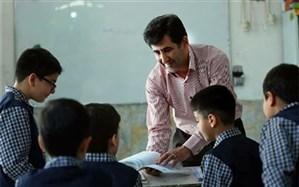 علی الهیار ترکمن: طرح معلم تمام وقت همچنان پابرجاست