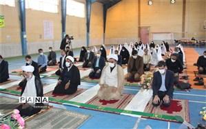 برپایی نماز شوق وصل در مدارس شهرکرد