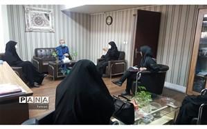 نشست صمیمی صادق پور با کارکنان کانون رضوان