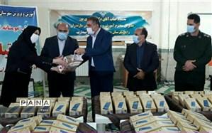 ۳۰۰  تبلت آموزشی به دانشآموزان محمودآبادی اهدا شد
