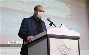 تلاش برای برگزاری حداکثری نماز جماعت به امامت روحانیون در مدارس استان همدان