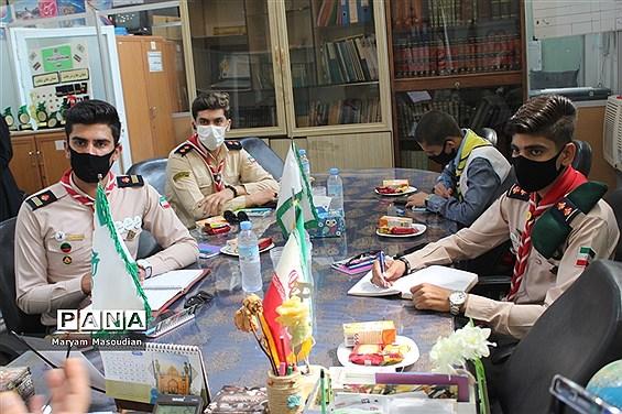 نشست صمیمانه مدیر سازمان دانش آموزی استان بوشهر با دانش آموزان منتخب استان فارس