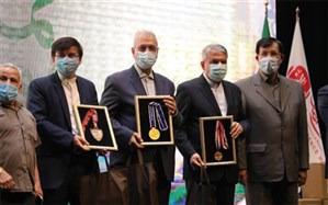 3 مدال بینالمللی  وزنهبرداری ایران برای کمک به نیازمندان به فروش رسید