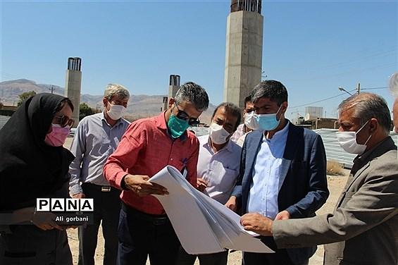 بازدید مدیرکل دفتر فنی استانداری فارس از پروژههای شهرداری نیریز