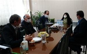 بازدید الحسینی مشاور رسانهای وزیر از مدارس منطقه 9