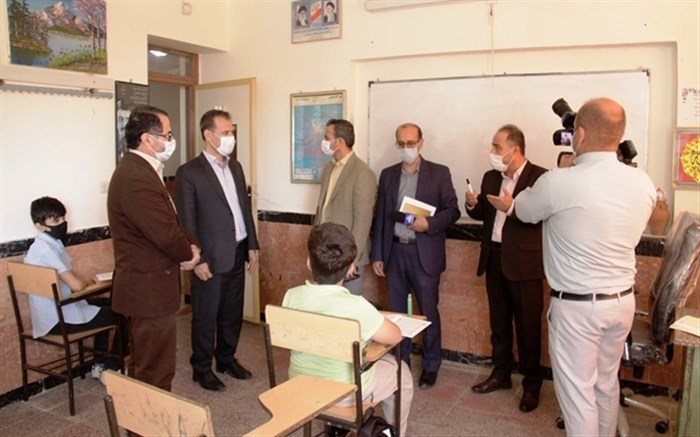 بازدید سر زده مدیر کل آموزش و پرورش کردستان از مدارس سنندج