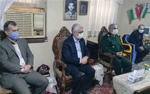 دیدار مدیر کل آموزش و پرورش استان گیلان با خانواده شهیدان نهی قناد