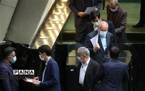 امشب؛ نشست مشترک دولت و مجلس برای بررسی وضعیت بازار ارز برگزار میشود