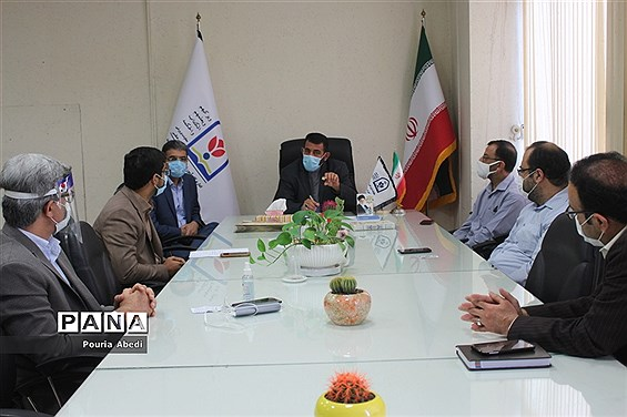 نشست صمیمی خادمان قرآن با معاون پرورشی و فرهنگی آموزش و پرورش استان بوشهر