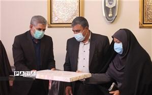جلسه تکریم رئیس سازمان دانش آموزی استان کرمان با حضور مدیر کل آموزش و پرورش استان کرمان برگزار شد