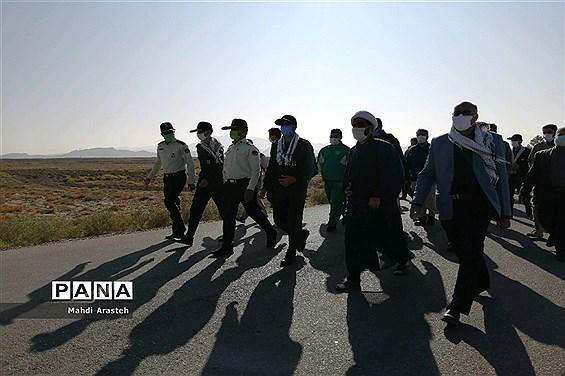 همایش پیادهروی مشترک کارکنان ناحیه مقاومت بسیج سپاه و فرماندهی انتظامی شهرستان  خوسف