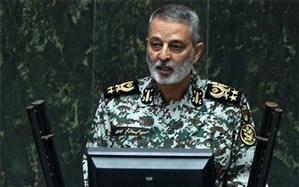 فرمانده کل ارتش: جز برگی از کتاب قطور دفاع مقدس ورق نخورده است