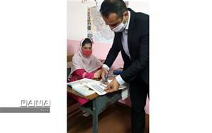 آموزش با QR Codeبرای نخستین بار در دبستان روستای خشتسر آغاز شد