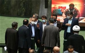 اولین رای اعتماد مجلس در میان هیاهوی مخالفان و تذکرات موافقان