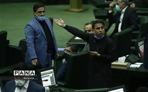 انتقاد معاون ارتباطات و اطلاع رسانی دفتر رئیس جمهور از حواشی جلسه رای اعتماد به رزم حسینی