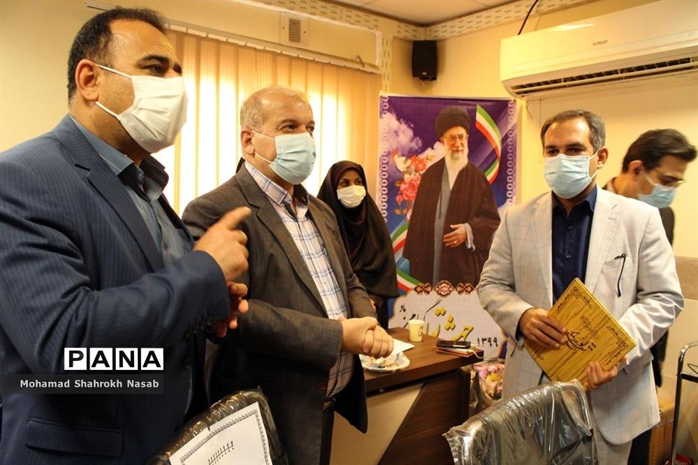 آیین تکریم و معارفه رییس مرکز بهداشت شرق اهواز