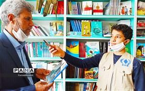 دانش آموزن در ایام کرونا کتاب خواندن را فراموش نکنند