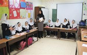 مشاور رئیس سازمان پژوهش: برای کاهش تمرکز، 6 ساعت برنامهریزی درسی را به مدارس سپردهایم