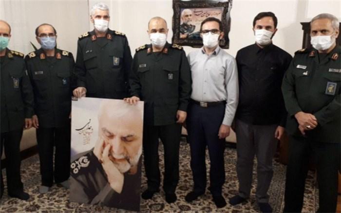 دیدار  سرلشکر سلامی با خانواده سردار همدانی