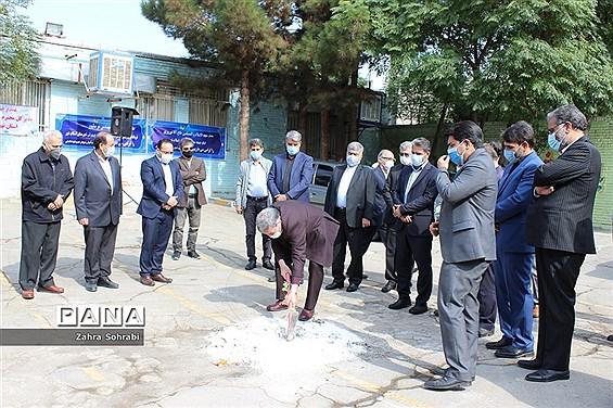 آیین کلنگ زنی مدرسه استثنایی خیرساز مهندس فرشچی درشهرستان اسلامشهر