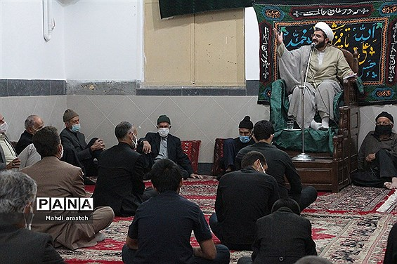 مراسم شب اربعین مسجد امام حسن عسکری علیه السلام شهرستان خوسف با رعایت پروتکل های بهداشتی