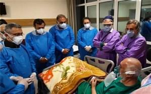 عیادت معاون درمان وزارت بهداشت و رئیس دانشگاه علوم پزشکی شیراز از پدر پیوند کبد ایران