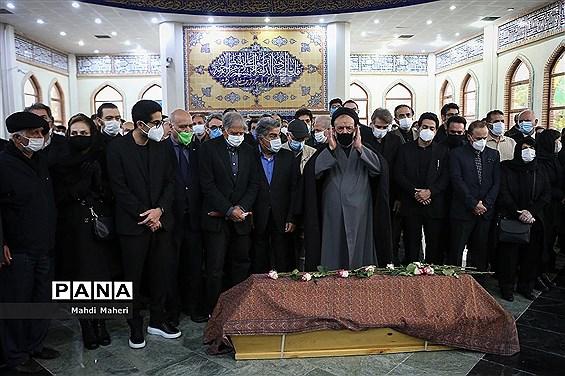مراسم اقامه نماز بر پیکر استاد محمدرضا شجریان