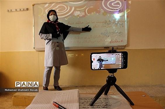 پیچ و خم های آموزش مجازی از نگاه مدارس