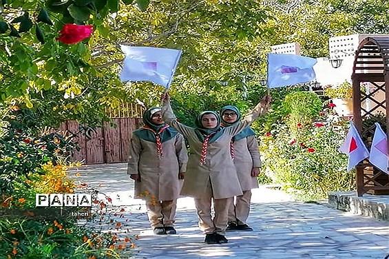 بازدید رئیس سازمان دانشآموزی فارس از فعالیتهای پیشتازان در نی ریز