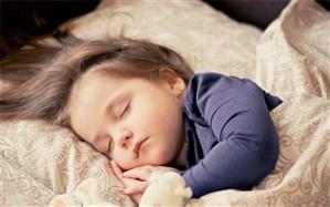 کودکانی که با قصه و لالایی به خواب میروند، عاشقتر میشوند