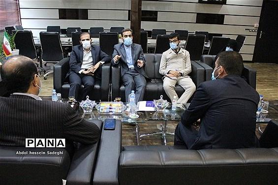 نشست قائم مقام دبیرکل اتحادیه انجمنهای اسلامی دانشآموزان کشور با مدیرکل آموزش و پرورش استان بوشهر