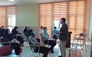 کارگاه های آموزشی بررسی کتب درسی ویژه دوره اول ابتدایی در شهرستان عسلویه برگزار شد