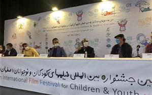 سیدجواد هاشمی: تنها موجودی که در کرونا دچار نفس تنگی شده است، سینماست