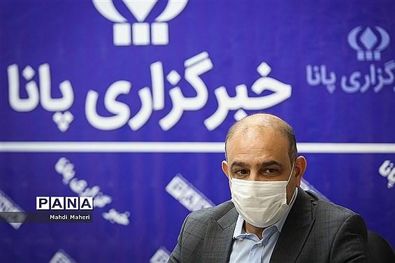 حضور محمد علیخانی رئیس کمیسیون عمران و حمل و نقل شورای اسلامی شهر تهران در خبرگزاری پانا