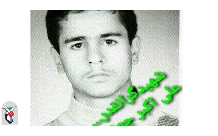 دست به خیری خانواده شهید جعفری برای شادی دانشآموزان نیازمند