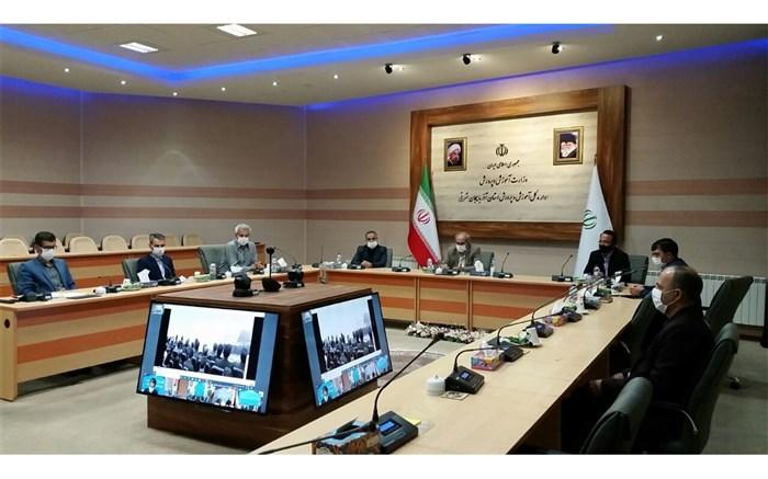 پاشایی: دانش آموزان محروم آذربایجان شرقی درسنامههای تحصیلی را از طریق راهنمایان تعلیماتی دریافت میکنند