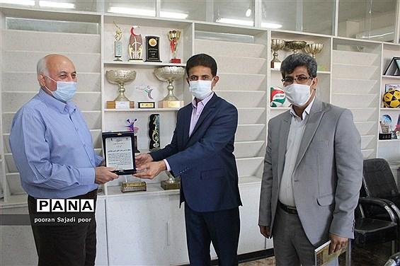 تجلیل از پیشکسوتان ورزش دانش آموزی استان بوشهر