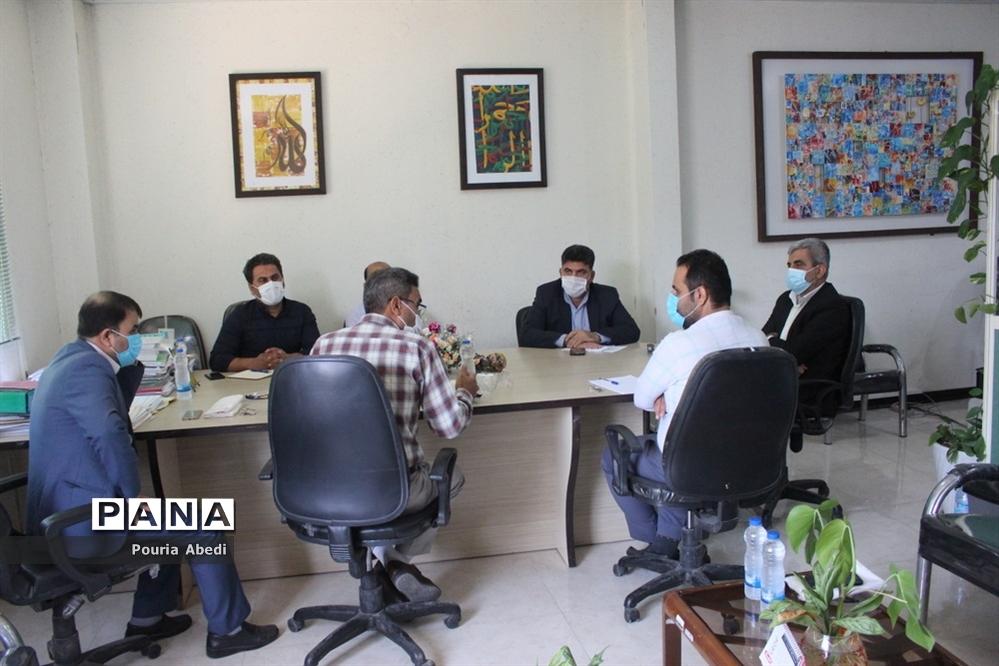 جلسه هماهنگی توزیع تجهیزات هنرستانهای فنی و حرفهای و کار دانشآموزش و پرورش استان بوشهر