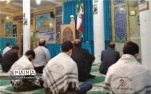 حضور دانش آموزان بسیجی در نماز جمعه