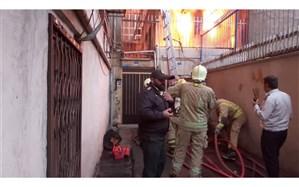 آتشسوزی انبار نخ در خیابان جمهوری؛ آتش مهار شد