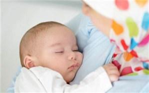 آیا کودک میتواند از شیر مادر مبتلا به کرونا تغذیه کند؟