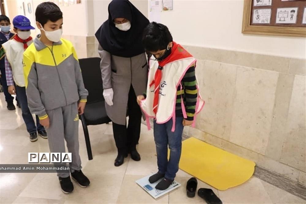 افتتاح طرح ملی کنترل وزن و چاقی دانش آموزان (کوچ) در آموزش و پرورش ناحیه 3 مشهد