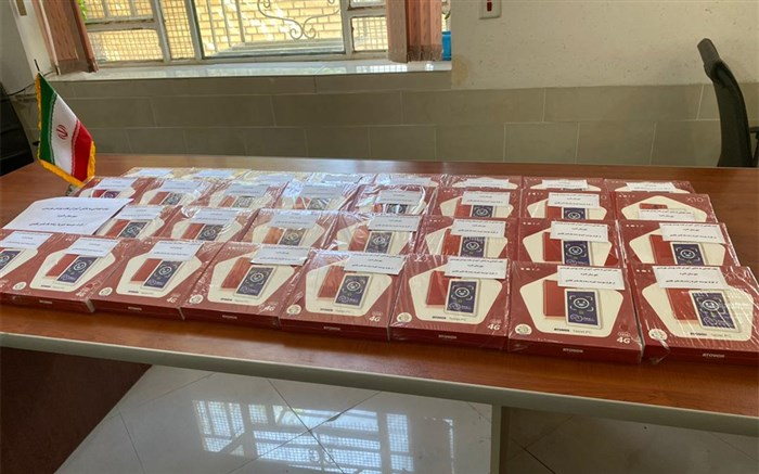 رئیس اداره بهزیستی لامرد:  خیر لامردی ۳۲ دستگاه تبلت به فرزندان زنان سرپرست خانوار اهدا کرد