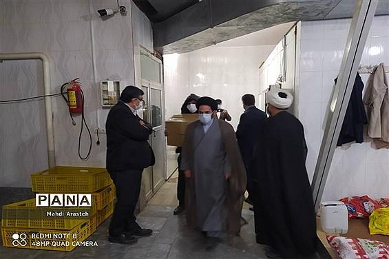 توزیع گوشت گوسفند بین نیازمندان استان خراسان جنوبی