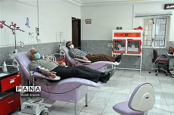 نذر اهدای خون یا پلاسما توسط ورزشکاران  زورخانه ای استان خراسان جنوبی